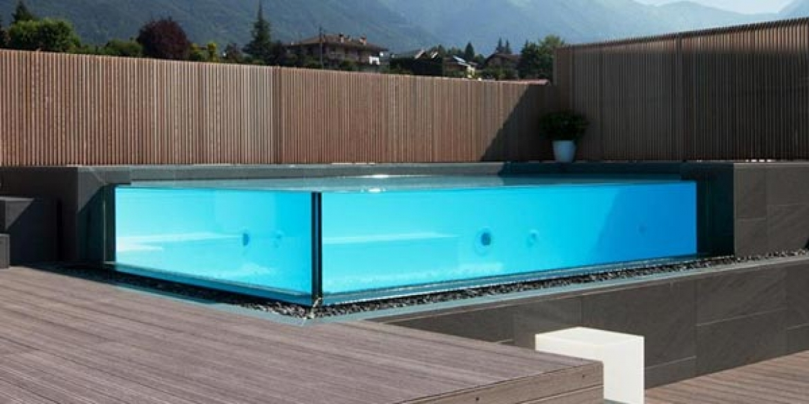 Piscine con sfioro in cristallo